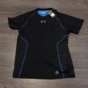 NWT men's vented heat gear under armour T-shirt